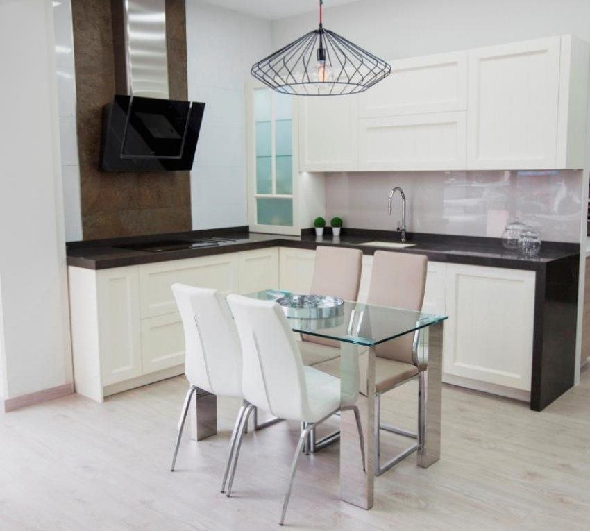 Cocina lacada en blanco roto muebles los pepotes - Muebles los pepotes ...