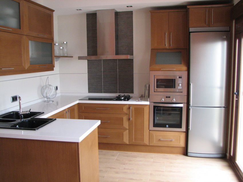 Modelo ornea en pen nsula muebles los pepotes - Ver muebles de cocina modernos ...